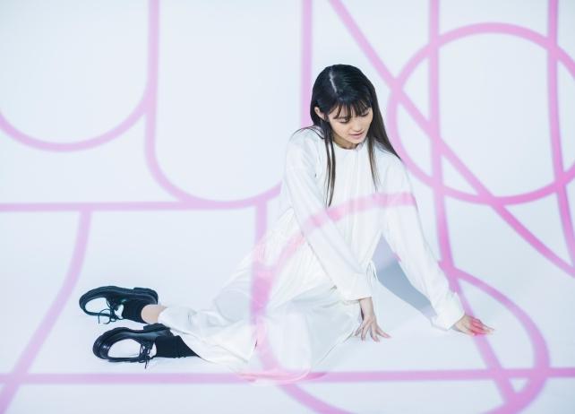 早見沙織2ndアルバムのリード曲「Let me hear」MVフルサイズ&購入者特典の写真を公開