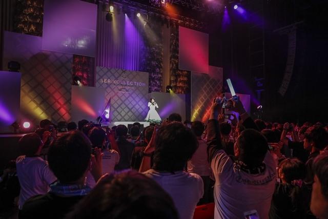 芹澤優さんの2nd写真集が、ソロデビュー記念日の2019年4月26日に発売決定! 芹澤さんのコメントも到着-4