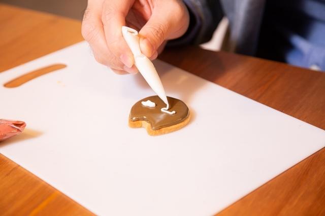 お菓子作り初心者の小野友樹さんがアイシングクッキー作りに挑戦!【D×2 真・女神転生リベレーション編】-11