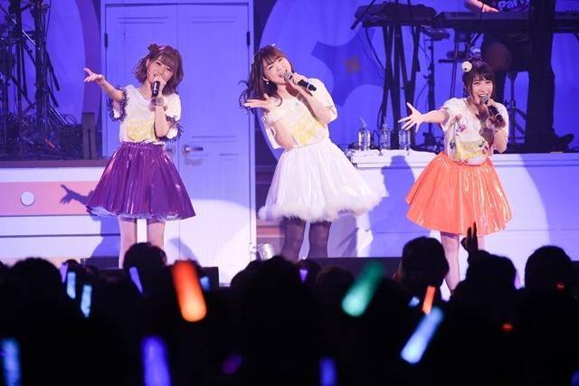 日高里菜さん、津田美波さん、山口愛さんがパジャマ姿を披露!「ひなビタ♪ライブ2018」レポート-12