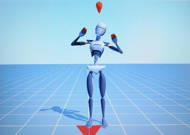▲動きのチェック用画面。佐々木さんの動きに合わせて、画面の人型CGがポーズを取ります