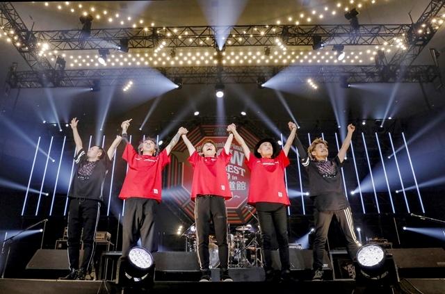 "「FLOWはみんなでライブを作り続けてるバンドです!」 ライブ神曲一挙披露 盟友・GRANRODEOも駆け付けた日本武道館""神祭り""公演-17"