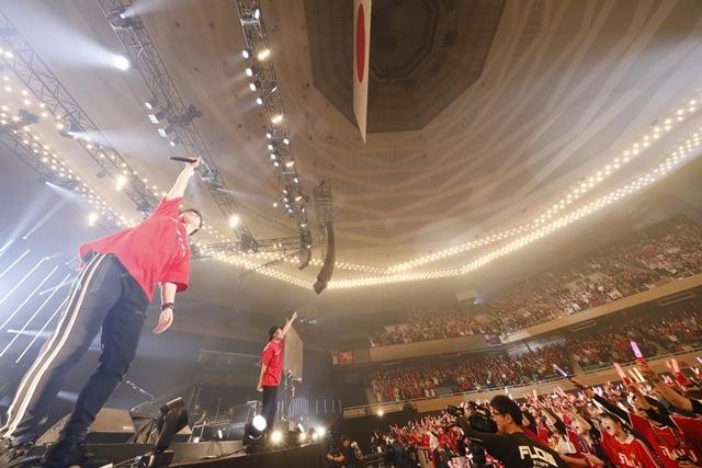 "「FLOWはみんなでライブを作り続けてるバンドです!」 ライブ神曲一挙披露 盟友・GRANRODEOも駆け付けた日本武道館""神祭り""公演-16"