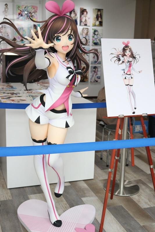 森倉円さん初個展『Girl Friend』をレポート! オリジナル美少女作品の展示だけでなく『キズナアイ』などの商業作品も一堂に集結!-2