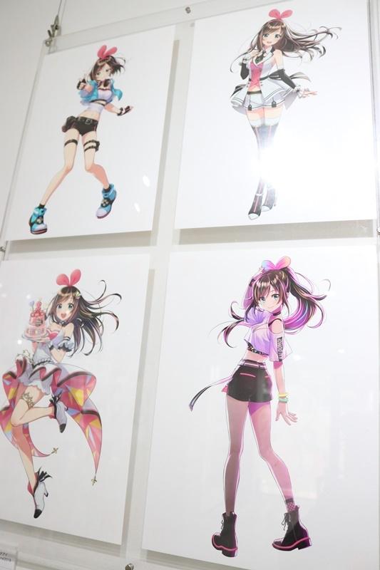 森倉円さん初個展『Girl Friend』をレポート! オリジナル美少女作品の展示だけでなく『キズナアイ』などの商業作品も一堂に集結!-11