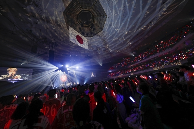 "「FLOWはみんなでライブを作り続けてるバンドです!」 ライブ神曲一挙披露 盟友・GRANRODEOも駆け付けた日本武道館""神祭り""公演-13"