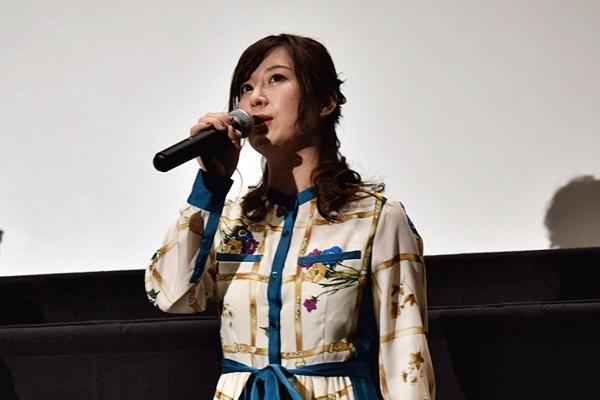 映画『ちえりとチェリー』声優・高森奈津美さん、中村誠監督登壇の舞台挨拶をレポート|花束を持ったチェブラーシカがお祝いに駆け付ける!