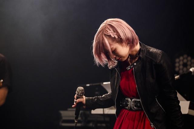 1曲目、イントロの表情だけで「今日は最高のライブになる」と確信したReoNaツアーセミファイナルレポ-6