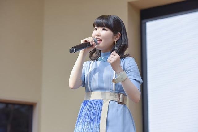 声優・歌手の東山奈央さん2ndアルバム『群青インフィニティ』発売記念イベント「うぉーうぉーしようぜ!!」の公式レポートが到着!