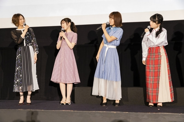 『劇場版 響け!ユーフォニアム ~誓いのフィナーレ~』公開記念舞台挨拶で、声優・黒沢ともよさんらが新1年生やキャラクターたちの成長した姿を語った