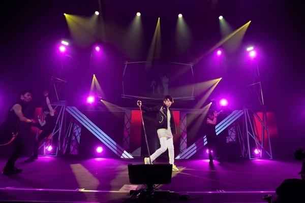 """声優アーティスト""""羽多野渉""""の未来と進化で魅せた『Wataru Hatano Live Tour 2019 -Futuristic-』夜の部をレポート♩-3"""