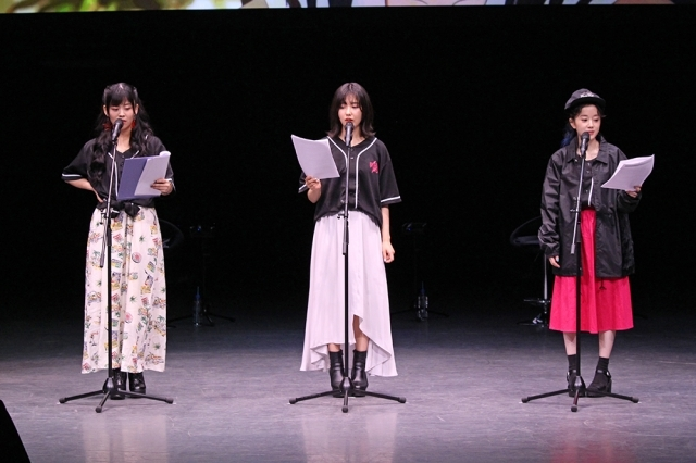 ▲左から、相羽あいなさん、志崎樺音さん、工藤晴香さん