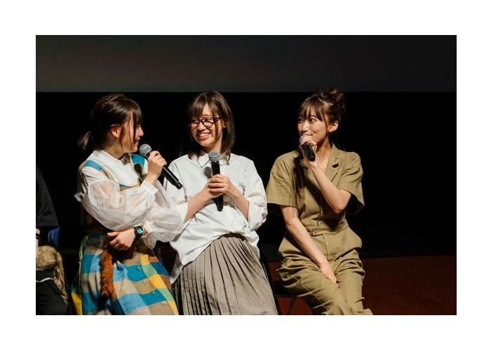 夏アニメ『手品先輩』本渡楓、市川蒼ら登壇先行上映会オフィシャルレポ到着
