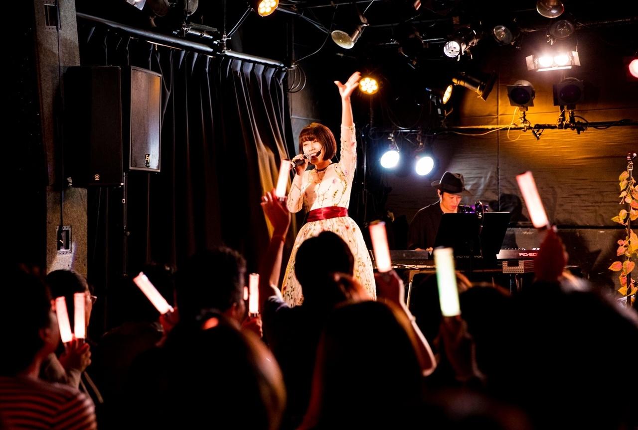 声優・シンガーの佐々木李子による定期公演ライブ公式レポート