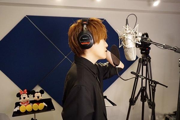 天﨑滉平さんが「英語のラップがかっこいい」とライブにも期待の楽曲「ジッパ・ディー・ドゥー・ダー」を収録した『Disney 声の王子様』シリーズ最新作キャストインタビュー第11弾!-2