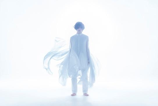 声優・蒼井翔太、写真集「生きていく」アニメイト限定版発売