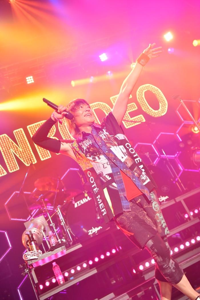 """まばたきさえも惜しい! 笑顔と多幸感が詰まった、『GRANRODEO LIVE TOUR 2019 """"FAB LOVE""""』レポート"""