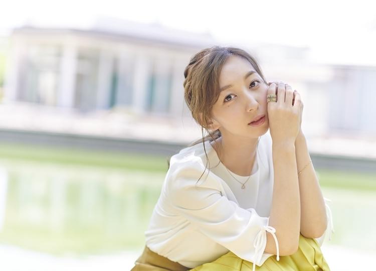 飯田里穂のアルバム「rippihylosophy」が12月4日に発売