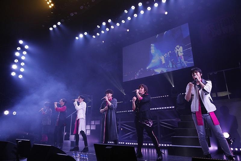堀江瞬さんのサプライズ登場に、メンバー12人とファンが一体となって会場を揺らした『VAZZROCK FES 2019』10月27日夜公演の模様をレポート!-7
