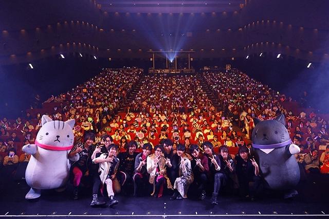 堀江瞬さんのサプライズ登場に、メンバー12人とファンが一体となって会場を揺らした『VAZZROCK FES 2019』10月27日夜公演の模様をレポート!