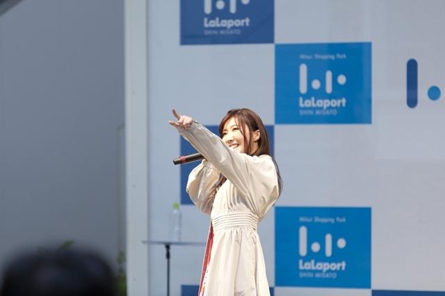 声優・諸星すみれさん、デビューミニアルバム「smile」リリース記念イベント実施! 『本好きの下剋上』OPテーマ「真っ白」を熱唱
