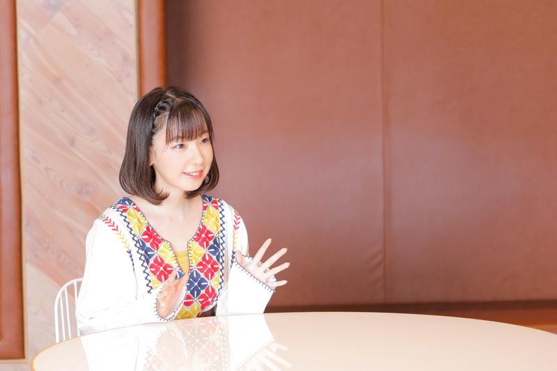 秋アニメ『私、能力は平均値でって言ったよね!』声優インタビュー第4回:ポーリン役・田澤茉純さん┃笑顔に隠れたクレイジーさを表現するコツとは?全話通してポーリンが最も叫んだシーンも明らかに!?