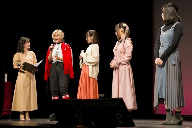 『推しが武道館いってくれたら死ぬ』先行上映会にファイルーズあいさん・立花日菜さんら声優8名が勢ぞろい! キャラの推しポイントを語り、作中のチェキ会も再現