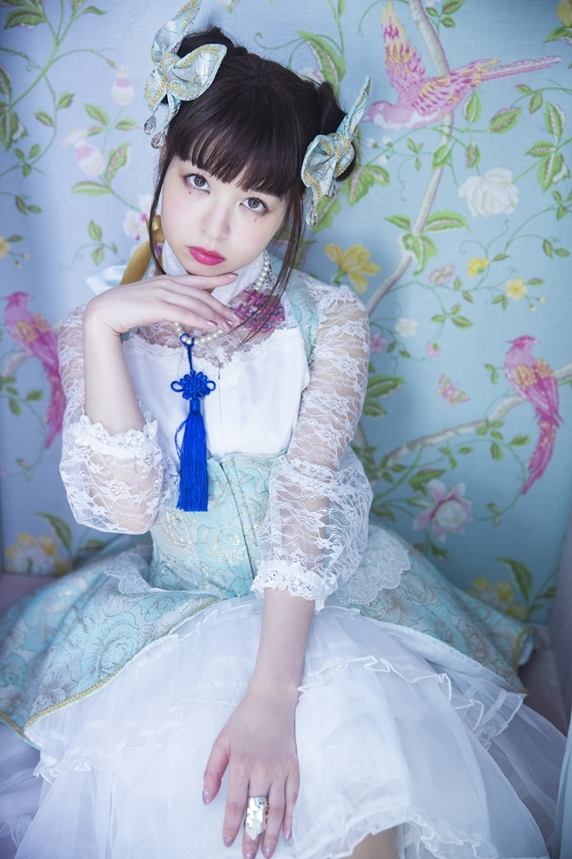 全編撮り下ろし写真で構成された「春奈るな1stフォトブック LUNA」2月27日発売! 12の衣裳を身にまとった独特な世界観を堪能できる!-10