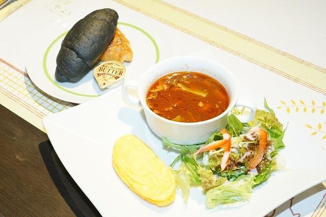 ツキプロ公式カフェ『池袋月野亭』3月の「やよいパン」店内&試食レポート|シンプル&ナチュラルな店内で、ほっこりパンに癒される♪-3