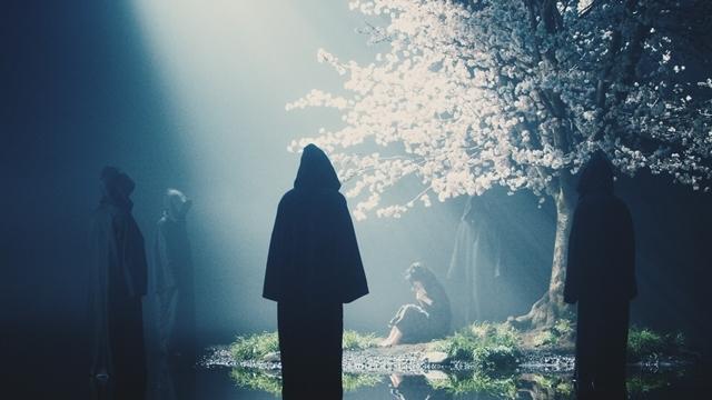 人気シンガー・Aimerさんが手掛ける「春はゆく」(劇場版『Fate/stay night [HF]』第三章主題歌)より、MV(フルサイズ)公開! 今作も女優・浜辺美波さんが出演-4