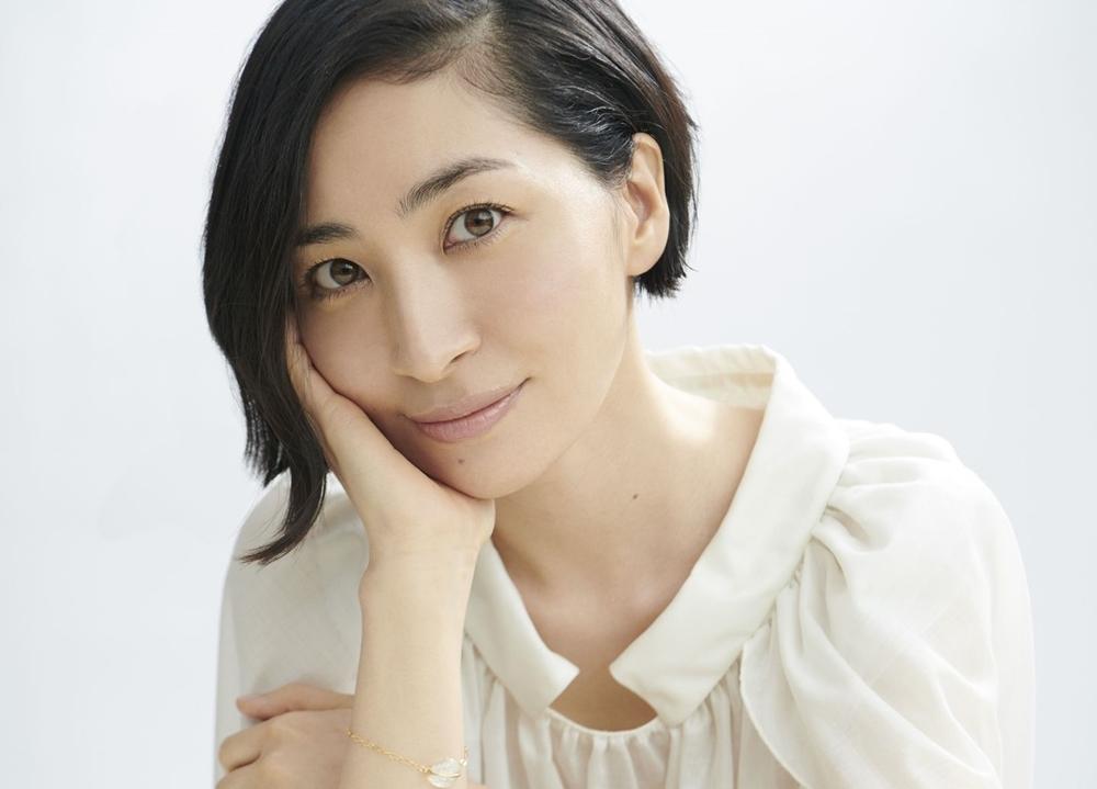 声優アーティストの坂本真綾、25周年記念アルバム特設サイトオープン!アチコチ街頭ビジョンも実施