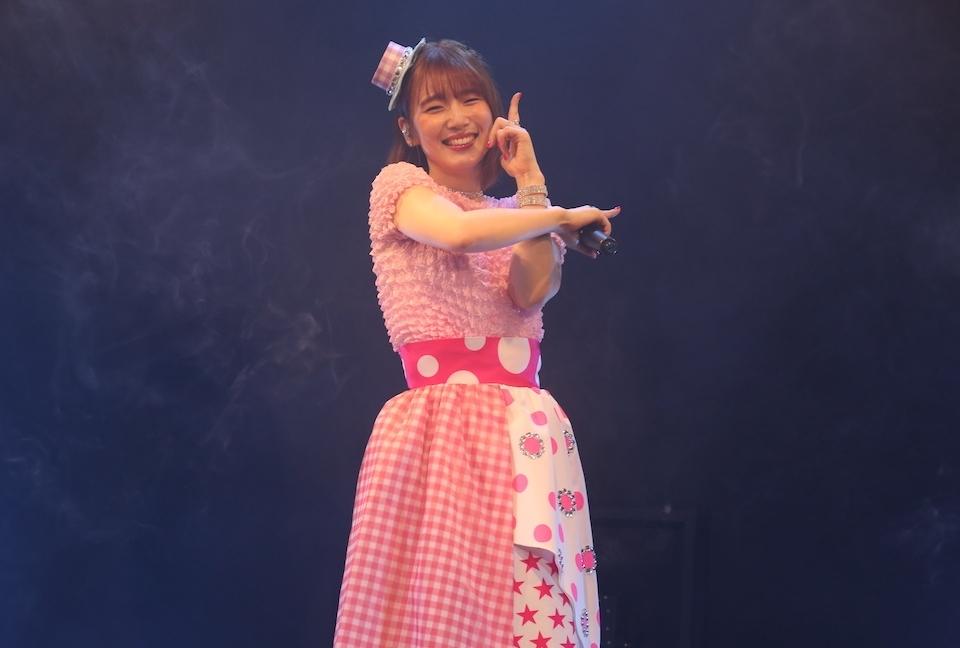 声優・内田真礼の生配信ライブに上坂すみれ出演!公式ライブレポ