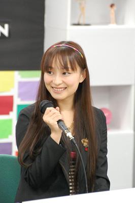 牧瀬紅莉栖(まきせくりす)役の今井麻美さん
