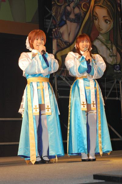 ラグナロ娘の2人はメイン・イベントステージを通してイベントを盛り上げた