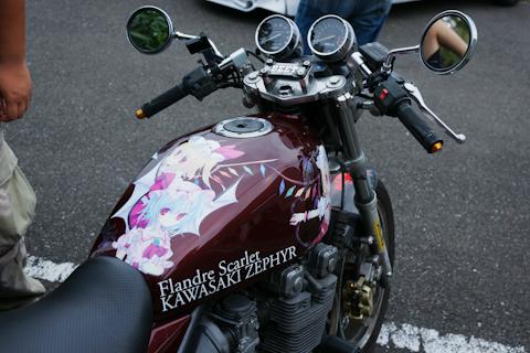 プリント面積が少ない分、デザインに創意の凝らされた痛バイクが多い
