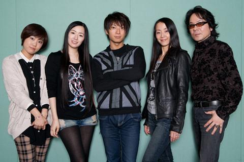 (写真左から)藤村歩さん、田中理恵さん、柿原徹也さん、田中敦子さん、速水奨さん