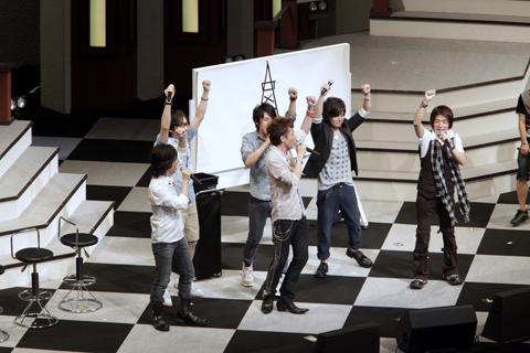 「一心同体★リレーDE! アート!!」は、両チームで接戦の戦いを繰り広げた。