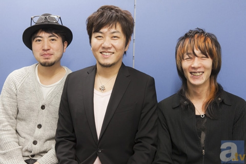 写真左より、プロデューサー・福原慶匡さん監督・脚本・石舘光太郎さんアニメーション監督・cortさん。