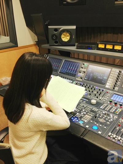 ▲井上喜久子さん。収録スタジオにて