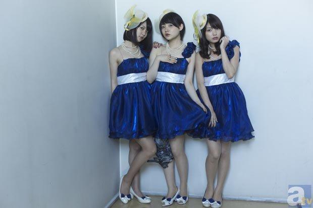 エレクトリック☆キス<br>(左より柳英里紗、三浦透子、金子沙織)