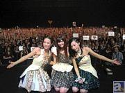 """Kalafina(カラフィナ)、ヨーロッパ最大の日本文化・エンターテイメントの祭典""""Japan Expo""""に初出演! 大盛況の模様を記した公式レポートをお届け!"""