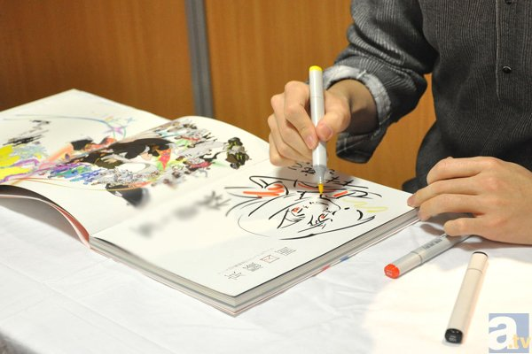『京騒戯画』原画展示会&林祐己さんによるサイン会レポート! リクエストを受けたキャラをその場で描く最高のファンサービス-5