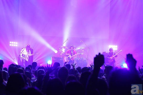 ▲KANA-BOONのライブ風景その2