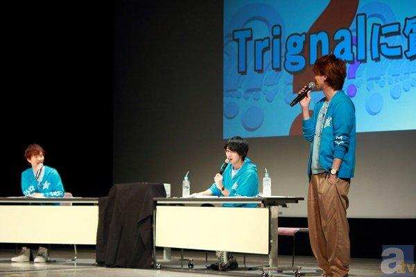 """▲解答中には、度々""""茨城県民トーク""""が展開。ただ、ひとり""""シティーボーイ""""な木村さんはふたりの話しについていけず、観客に一緒に話そう!と観客にいじけた様子で語りかけ、爆笑を生みました。"""