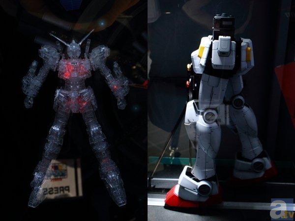 ▲左は赤外線で指定した部位を自由自在に発光させる技術。右は、わかりにくいですが歩行などガンプラに動きを持たせるデモンストレーション。ギクシャクとした動きではなく、かなりリアルな動きなので驚きです。