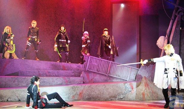ミュージカル「終わりのセラフ」佐野岳さん、舞台で大立ち回り