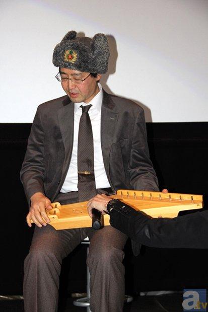 ▲さらに齋木さんは、劇中でミカが演奏していたフィンランドの民族楽器カンテレを実際に、演奏する一幕も!