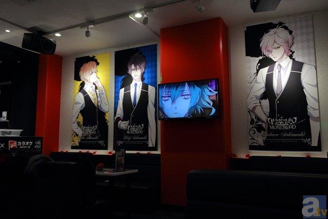 ▲複数設置されているモニターや、ステージに設置された特大モニターではアニメ本編映像も楽しむことができます。