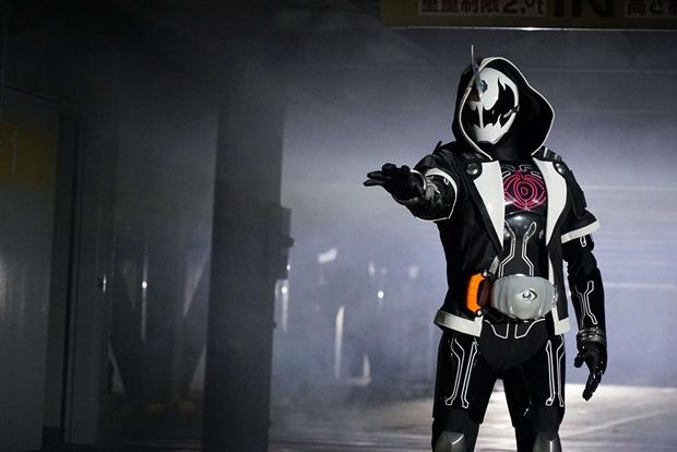 夏映画『仮面ライダーゴースト』には、謎のライダー2組が参戦!?