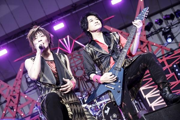 ▲「GRANRODEO LIVE TOUR 2016 TREASURE CANDY」日比谷公演大音楽堂ライブ写真<br>カメラマン:平野タカシ